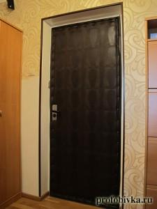 обивка дверей дермантином варан