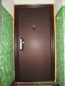 обивка и перетяжка китайских дверей шумоизоляция
