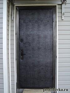 перетяжка и утепление наружной двери изолоном