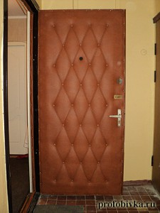звукоизолирующая обивка двери