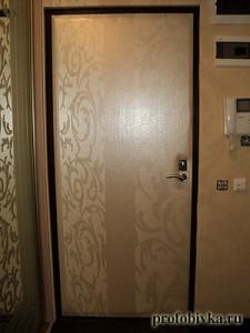 перетяжка двери анаконда обивка