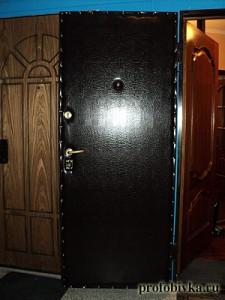 перетяжка дверей входных анаконда