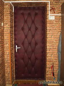 новая перетяжка двери с рисунком бордовая