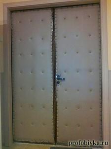 обивка дверей москва фото