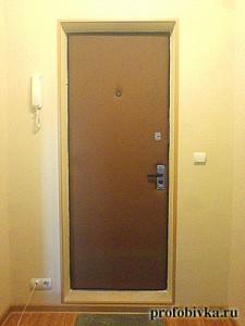 фото обитых дверей