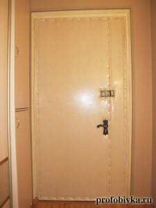 фото обивка металлических дверей беленый дуб