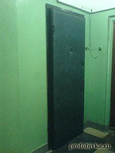 обитая металлическая дверь