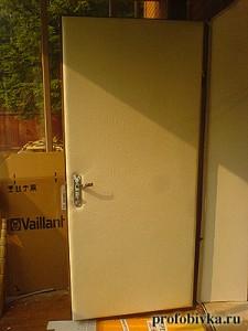 перламутровая обшивка дверей