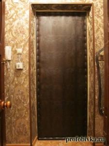 обивка нестандартной входной двери