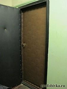 обшивка двери с валиком