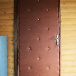 утепление и обивка деревянной двери