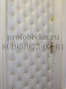 входная дверь в классическом стиле