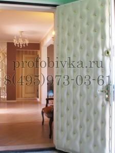 обивка двери в классическом стиле