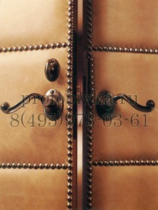 декоративная мягкая отделка двери