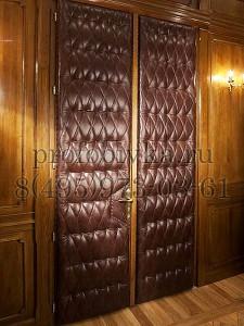 элитная обивка двустворчатой двери в кабинете
