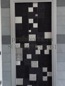 красивая дизайнерская обивка двери