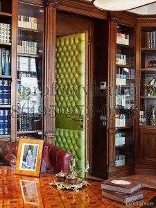дверь в каретной стяжке в кабинете