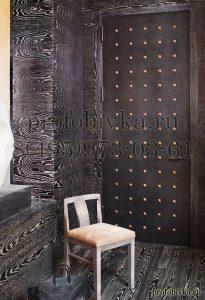 декоративная отделка двери алькантарой в стиле Лофт