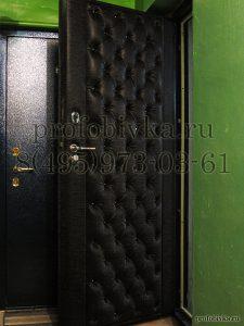 входная дверь в каретной стяжке