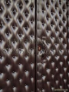 обивка двери ресторана с утяжками