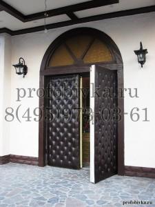 декоратиная отделка входной двери