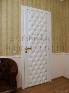 элитная отделка двери в кабинете руководителя