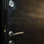 обивка двери искусственной кожей крокодил