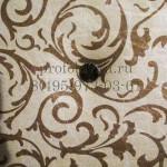 красивая обивка двери с узорами