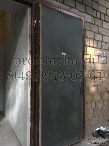 утепление металлической двери изолоном