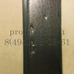 обивка входной металлической двери и установка наличников