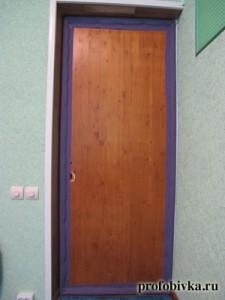как самому обить дверь
