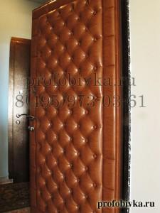 каретная стяжка на двери