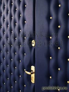 обивка двери синей экокожей по индивидуальному заказу