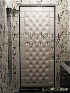 обивка двери каретной стяжкой со стразами Сваровски
